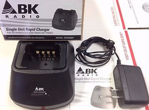 KAA0300P Desktop Charger BK Radio